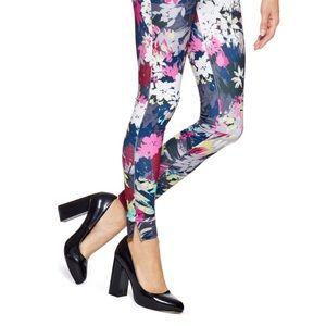 Hue floral 🌸twill leggings size med